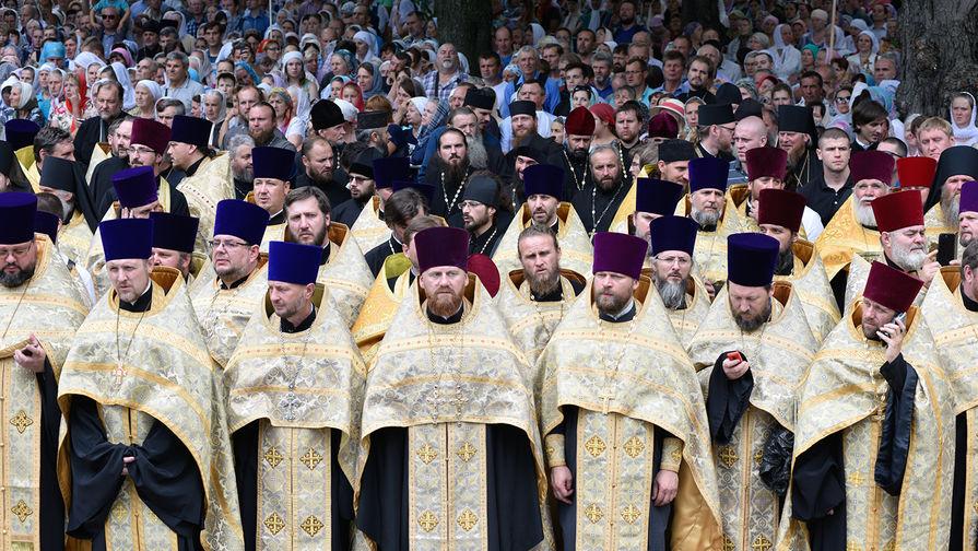 В Почаевской лавре попросили Порошенко прекратить давление на УПЦ