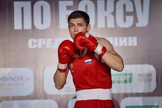 Боксер Андрей Молоканов