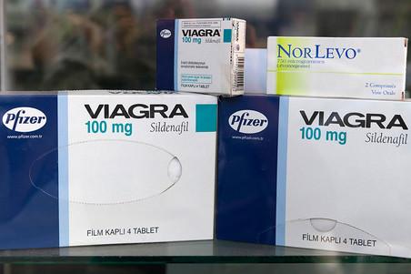 ������������� ������ Pfizer �������� AstraZeneca