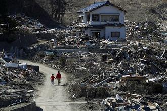 Последствия разрушительного цунами на северо-востоке Японии