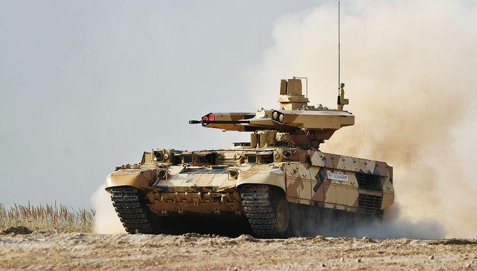Боевая машина огневой поддержки БМПТ «Терминатор-3» во время показа современных и...
