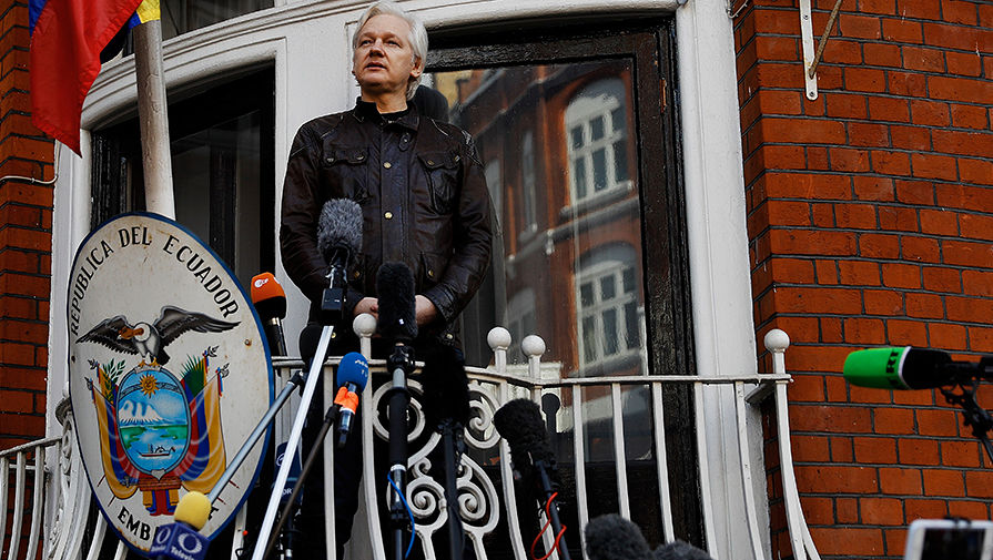 Адвокат Ассанжа раскритиковал предложение главы Эквадора по выходу из посольства