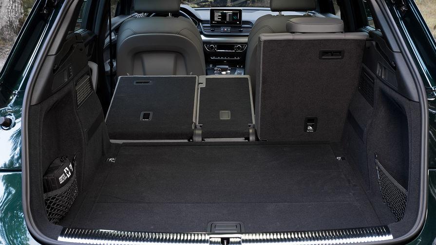 Объем багажного отделения составляет от 550/610 до 1550 литров, складной коврик входит в стандартное...