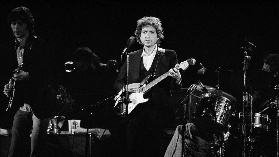 Боб Дилан во время концертного тура Winds Up, Лос-Анджелес, 1974 год