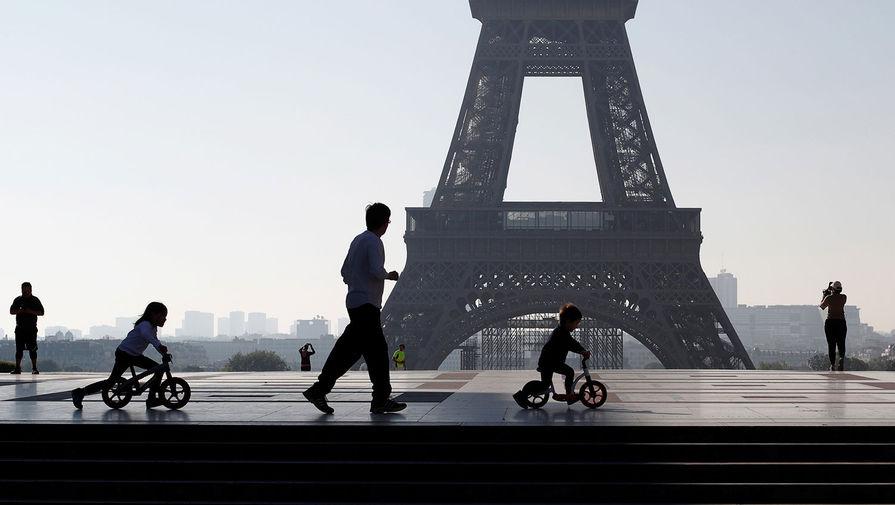 Франция не сможет принимать иностранные сертификаты о вакцинации до конца июня