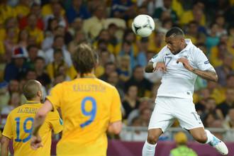 Янн М'Вила успел отыграть на Евро-2012 за сборную Франции