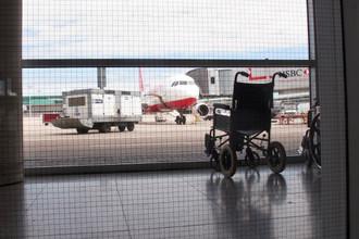 В аэропорту «Внуково» женщина с ребенком-инвалидом не смогли сесть на самолет