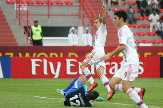 Только что Александр Макаров отправил первый мяч в ворота сборной Венесуэлы