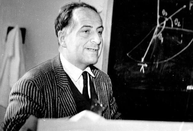 Бруно Максимович Понтекорво выдвинул теорию нейтринных осцилляций в 1957 году. Источник: museum.jinr.ru
