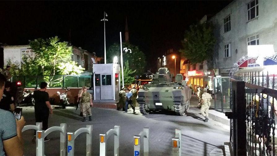 Сейчас! В Турции происход военный переворот, погибло более 60 человек, 749 раненных (30 фото + 6 видео)