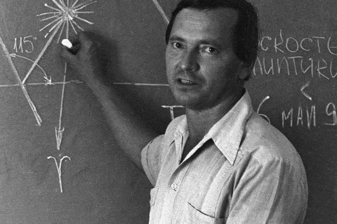 Старший научный сотрудник кафедры астрономии Киевского государственного университета Клим Чурюмов, 1986 год