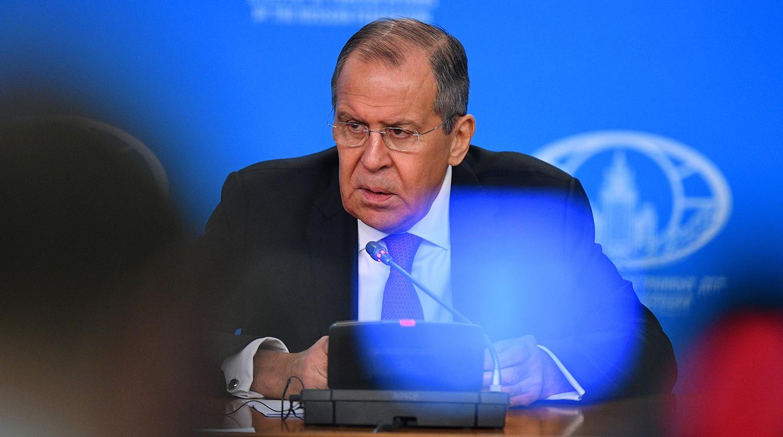 О переговорах РФ и Японии по мирному договору рассказал Лавров