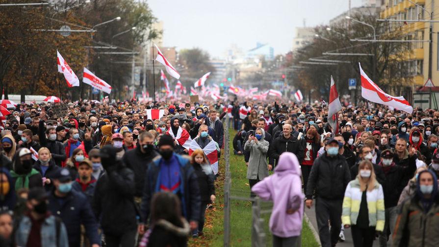 Участники марша оппозиции в Минске, 25 октября 2020 года