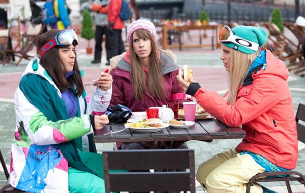 Кадр из фильма «В спорте только девушки»