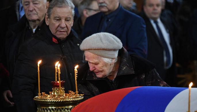 Во время церемонии прощания с бывшим мэром Москвы Юрием Лужковым в храме Христа Спасителя, 12 декабря 2019 года
