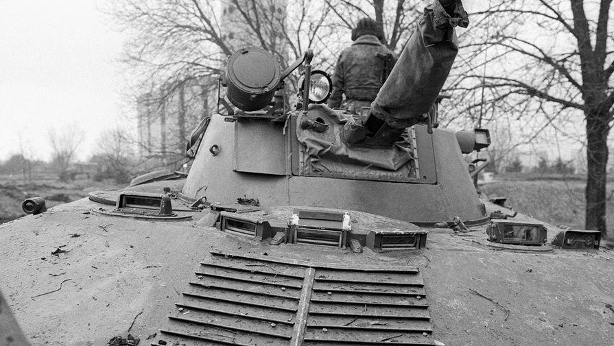 Военная техника на улицах Вильнюса, январь 1991 года