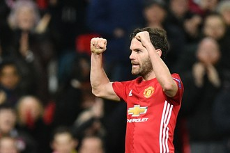 «Манчестер Юнайтед» победил «Ростов» в ответном матче 1/8 финала Лиги Европы благодаря голу Хуана Маты и прошел в следующую стадию