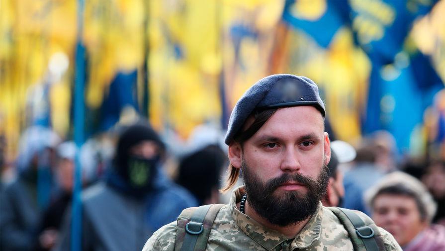 В центре Киева националисты сожгли чучело Зеленского