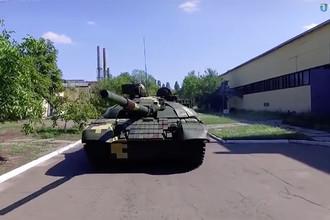 Порошенко показал танк и «Нож»