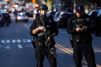 Полиция на улице Нью-Йорка после наезда автомобиля на велосипедистов на Манхэттене, 31 октября 2017 года, 31 октября 2017 года