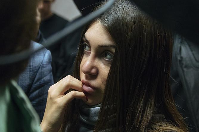 Мара Багдасарян в здании Савеловского суда в Москве