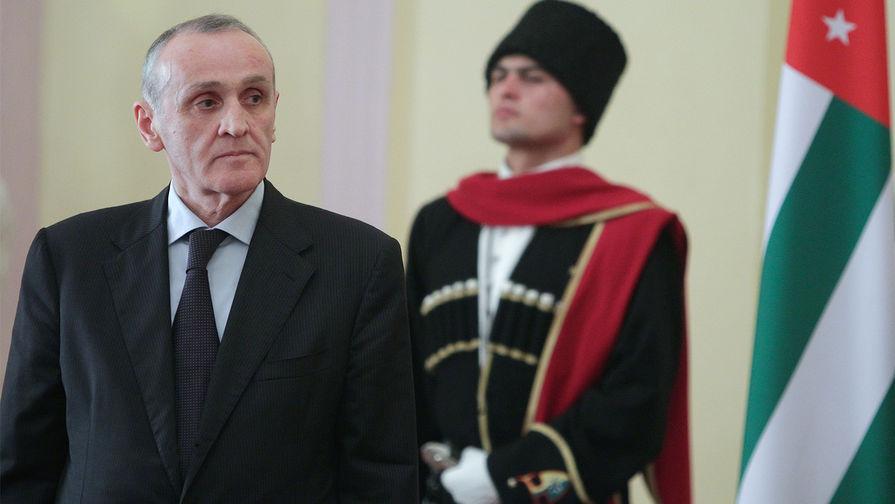 Премьером Абхазии назначен бывший президент Александр Анкваб