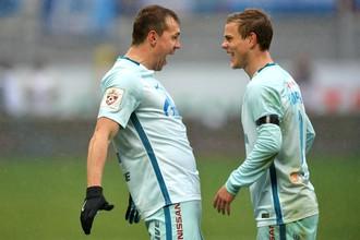 Игроки ФК «Зенит» Артём Дзюба и Александр Кокорин