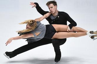 Виктория Синицина и Никита Кацалапов выступают в произвольной программе в танцах на льду на чемпионате России по фигурному катанию в Санкт-Петербурге, 22 декабря 2017 года