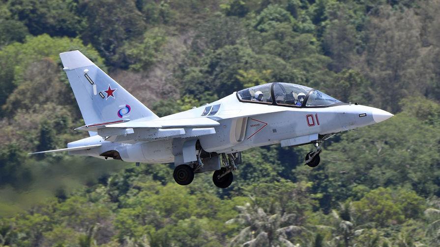 Момент крушения Як-130 в Белоруссии попал на видео