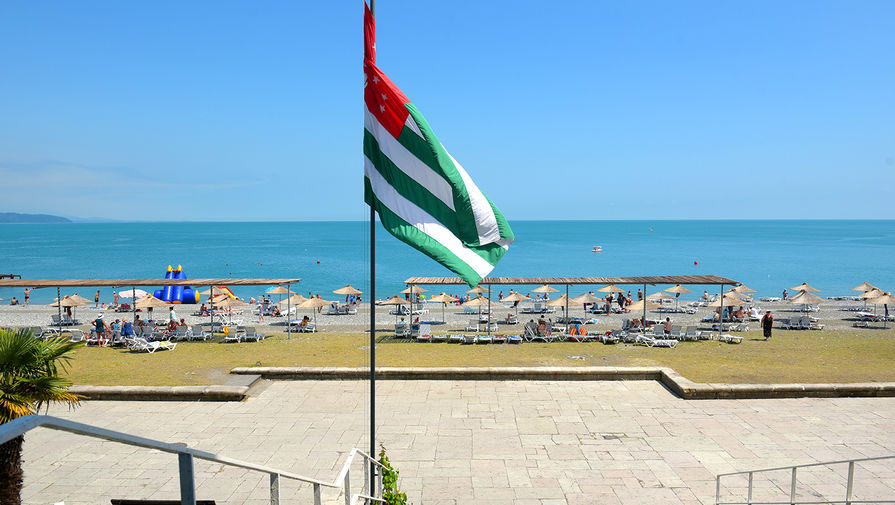 Первые российские туристы приехали в Абхазию