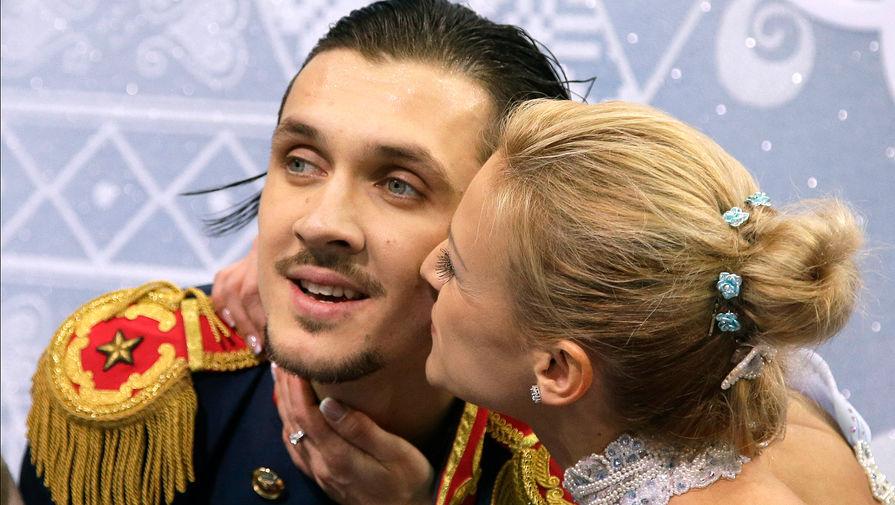 Серьезную славу пара обрела после выступления на Олимпийских играх в Сочи: они принесли России золото в личном и командном турнирах и закрепили за собой статус сильнейшей пары в мире