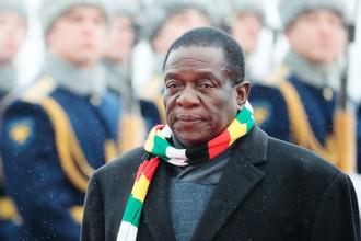 Президент Зимбабве Эммерсон Мнангагва во время встречи в аэропорту в Москве, 14 января 2019 года