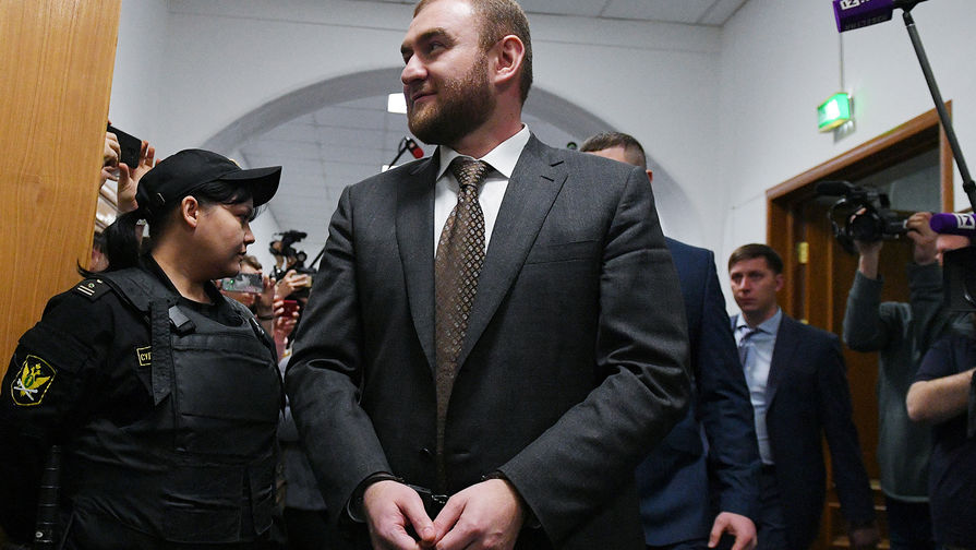 СК проводит более 70 обысков по делу Арашуковых