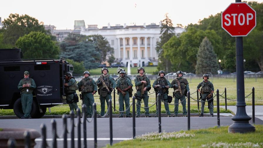 Военные у Белого дома в Вашингтоне, 1 июня 2020 года