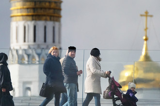 Путин дал право судебным приставам задерживать должников по алиментам