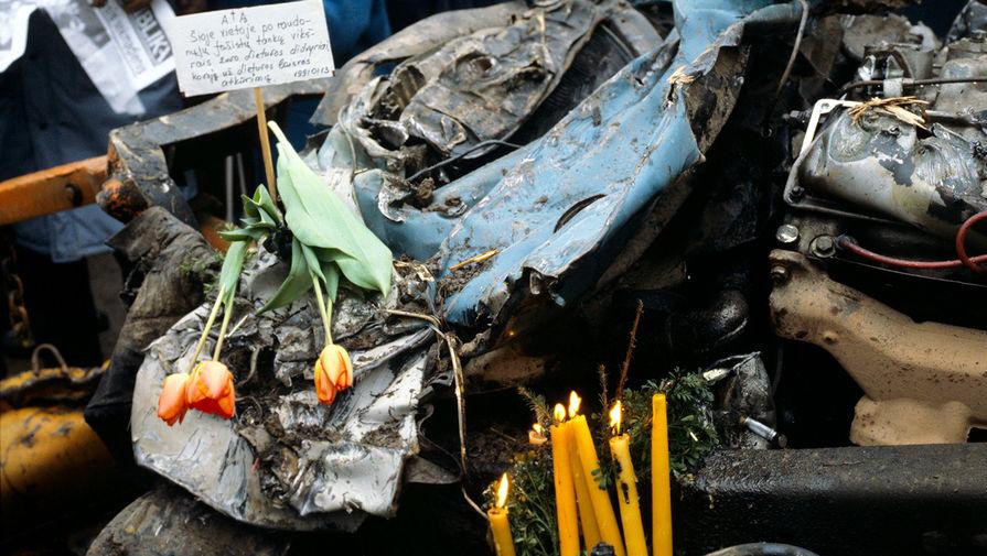 Машины, пострадавшие от столкновения с военной техникой, 13 января 1991 года