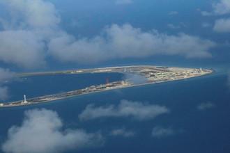 Занятый Китаем остров Суби-Риф архипелага Спратли в Южно-Китайском море