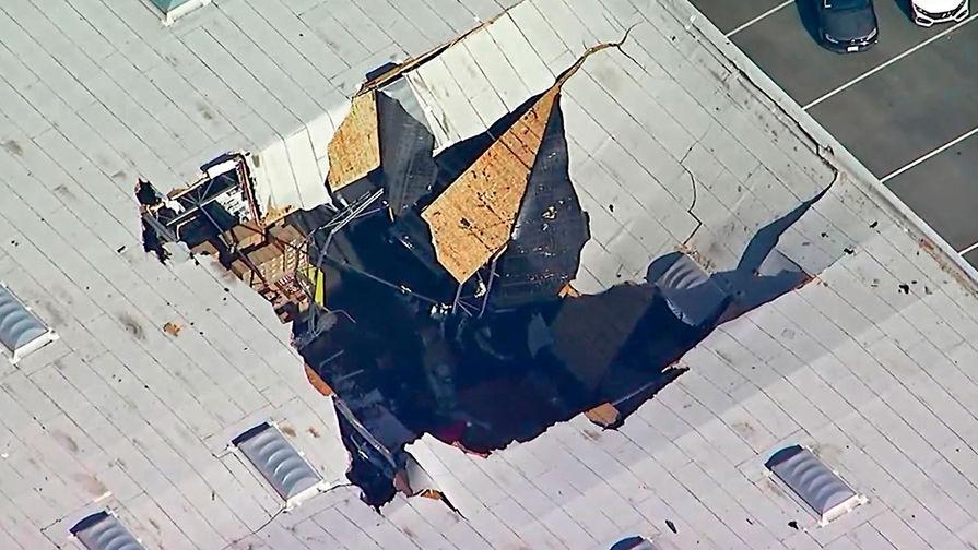 Пробил крышу: в Калифорнии рухнул истребитель F-16