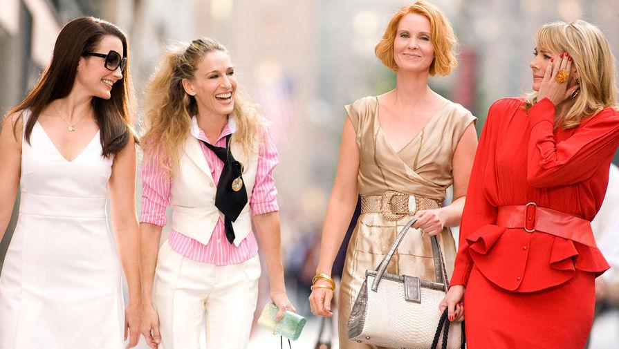 Кристин Дэвис, Сара Джессика Паркер, Синтия Никсон и Ким Кэтролл в фильме «Секс в большом городе» (2008)