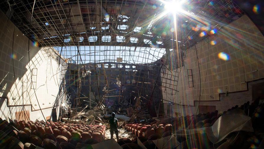 Дом культуры в Шуши после обстрела, 13 октября 2020 года