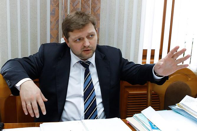 В кабинете губернатора Никиты Белых силовики искали следы спиртзавода