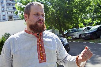 Суд начал рассматривать дело в отношении Дмитрия Демушкина, обвиняемого в экстремизме