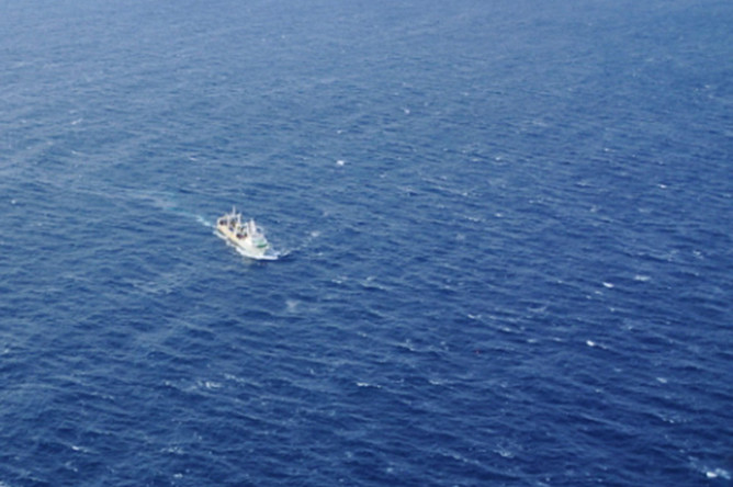 Спасательная операция на месте крушения большого автономного морозильного траулера (БАТМ) «Дальний Восток» в акватории Охотского моря