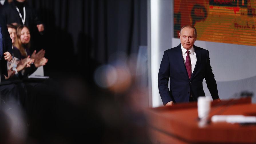 Собчак спросила Путина об участии Навального в выборах президента