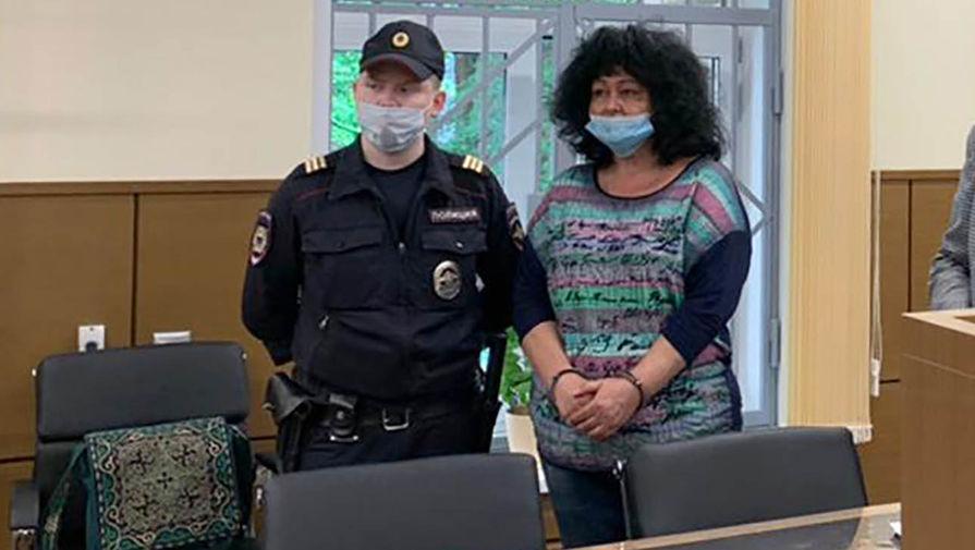 Суд отправил в колонию сотрудницу МИД за растрату $1 млн