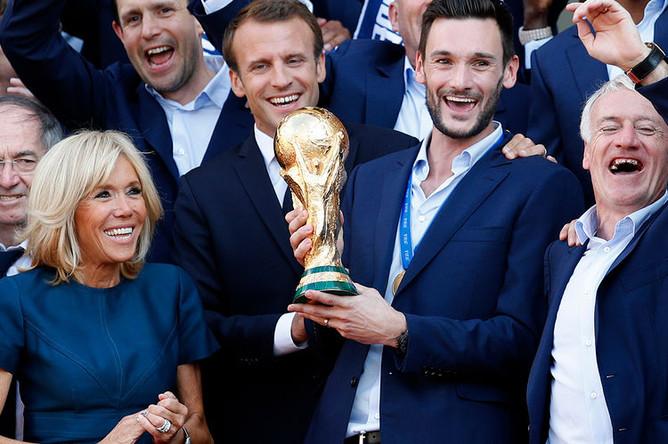 Игроки сборной Франции на приеме у президента Эммануэля Макрона, 16 июля 2018 года