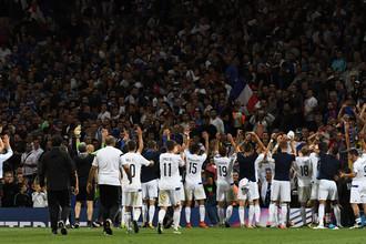Футболисты сборной Люксембурга после матча против Франции