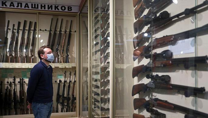 Дорасти до оружия: кому не выдадут лицензию на огнестрел
