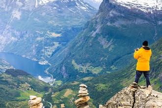 Гора и обзорная площадка Далснибба с видом на Гейрангер-фьорд (Норвегия)