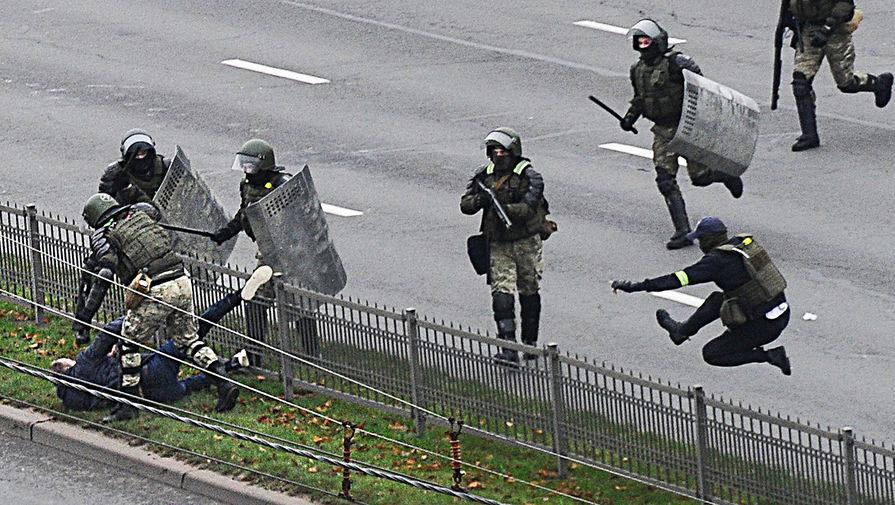 В Минске были задержаны корреспондент Коммерсанта и фотограф Известий